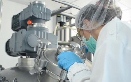Elkezdte a fertőtlenítőszer-gyártást a Farmec
