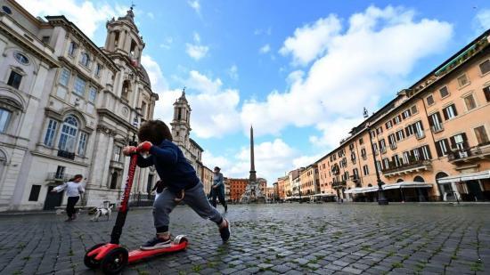 Lazítás Európában: hétfőtől kezd újraindulni az élet