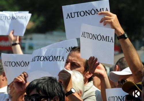 Elutasította a szenátus a kisebbségek személyi elvű autonómiájáról szóló törvénykezdeményezéseket