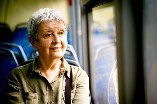Korlátozzák a nyugdíjasok ingyen buszozását