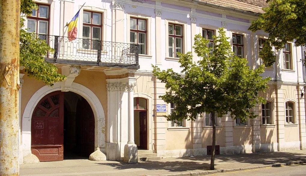 A Teleki-palota, az oszlopokon nyugvó erkéllyel