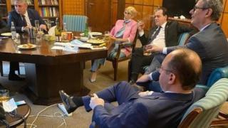 A rendőrség megbüntette Ludovic Orban kormányfőt. Mit vétett?