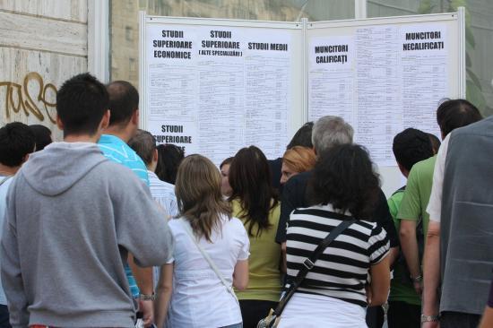Közel 5 százalékon a munkanélküliség