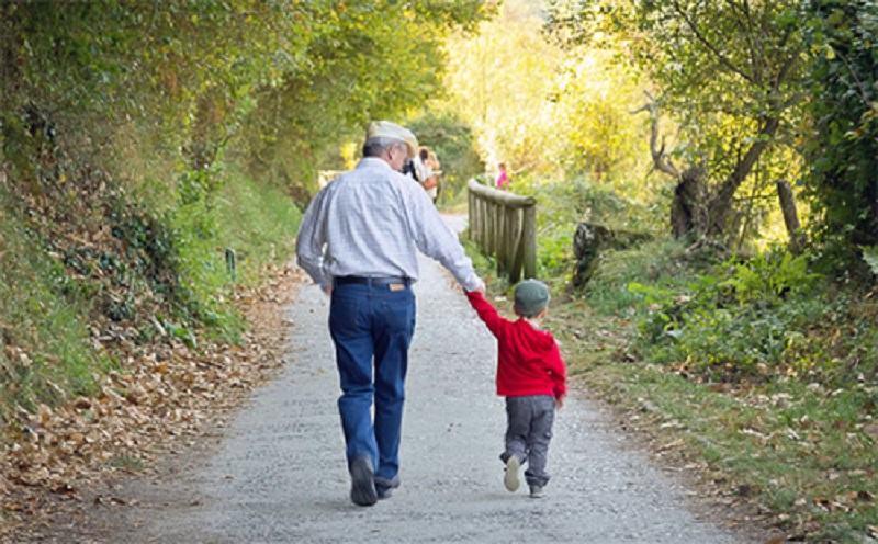 A gyermekpénz és a nyugdíjak emelése jól jönne a családoknak megbírkózni a válsággal, állítják