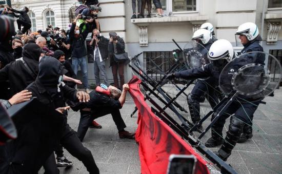 Rasszizmus elleni tüntetések Belgiumban és Berlinben is