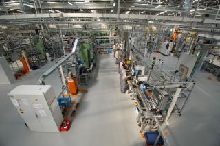 Az első négy hónapban csaknem 14 százalékkal csökkent az ipari termelés Romániában
