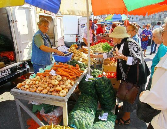 Boc: a helyi vállalkozókat, termelőket kell támogatnunk