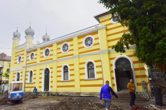 Utolsó finomítások a megújult neológ zsinagóga épületén