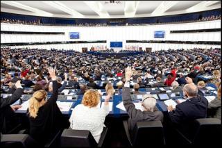 Az EP a polgári kezdeményezések határidejének meghosszabbítása mellett döntött