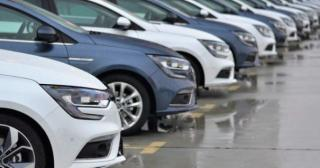 Negyedével esnek vissza az idén az autóeladások az EU-ban
