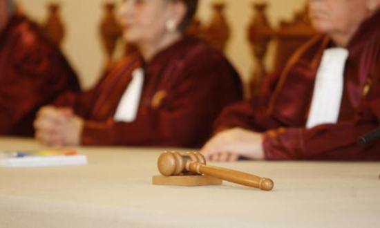 Alkotmánybíróság: a parlamentnek nem kell jóváhagynia a veszélyhelyzet meghosszabbítását