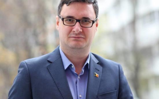 CNCD-tag akar lenni a magyargyűlölő Dan Tanasa blogger