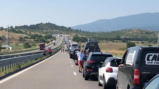 Figyelmeztetés: 12 kilométeres gépkocsisor a bolgár-görög határátkelőnél