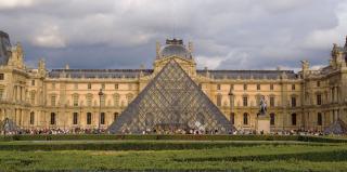 Újra kinyitja kapuit a Louvre