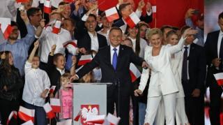 Andrzej Duda nyerte a választást ...