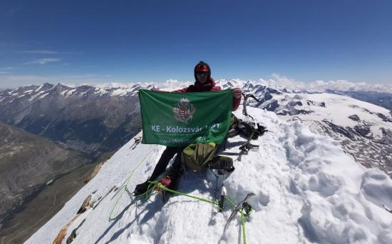 Felért a Matterhorn tetejére a kolozsvári hegymászó