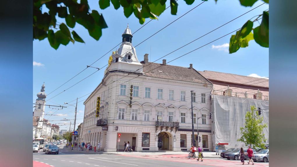 Új rendeltetést kap az egykori főtéri Központi Szálloda