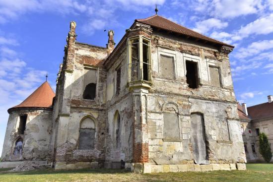 Különleges Bánffy-emlékteret terveznek az egyre újuló bonchidai kastélyba