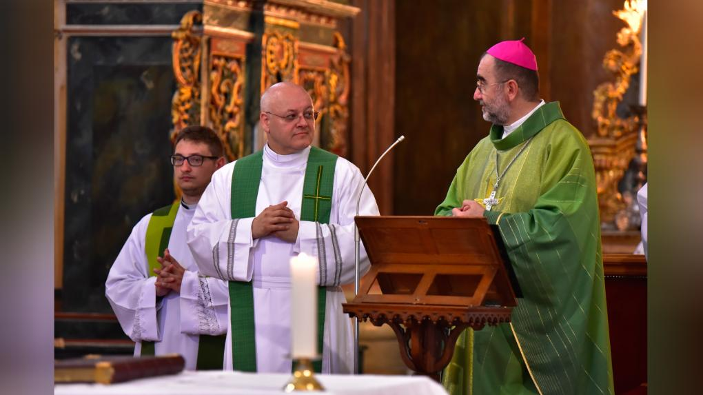 Kovács Gergely érsek celebrálta a főpásztori szentmisét és a felemelő szertartást