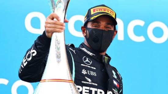 Spanyol Nagydíj: Hamilton rajt-cél győzelmet aratott