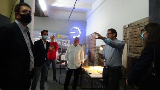 VIDEÓ - KMN - Fodor János az Elmúlt Jelen kiállításról: a közterek és a tévé előtti forradalom bemutatása