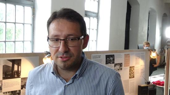 VIDEÓINTERJÚ - Fodor János: miért Elmúlt Jelen a Tranzit-házban látható kiállítás címe?