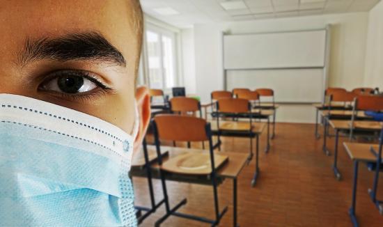 A szaknak megfelelő kötelező tantárggyal folytatódik az őszi érettségi vizsga
