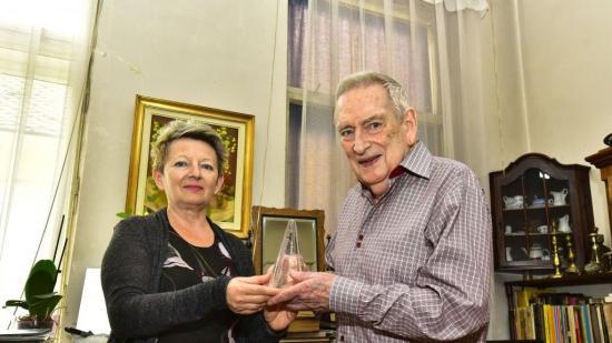 Átadtuk Csíky Andrásnak a színikritikusok életműdíját