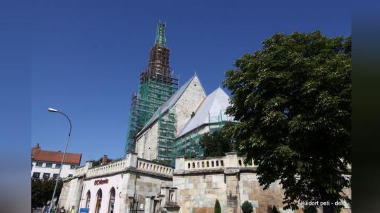 Félidőhöz érkezett a dési református templom felújítása
