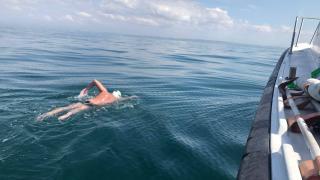 Megtalálták a La Manche-csatornát egyedül átúszni induló férfit