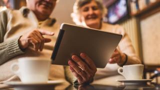 Tájékozott alkalmazottból elégedett(ebb) nyugdíjas lehet
