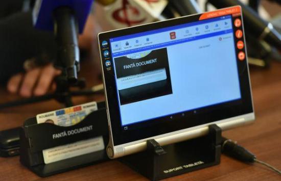 Több mint 22 ezer táblagép a szavazókörzeteknek