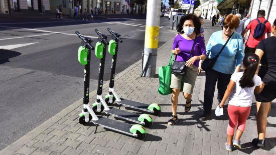 Csípős bírság tenne rendet az e-rollerdzsungelben