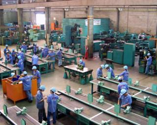 Az első hét hónapban 14,9 százalékkal csökkent az ipari termelés