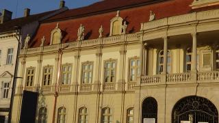 VIDEÓ - A Bánffy-palota bal oldali ...