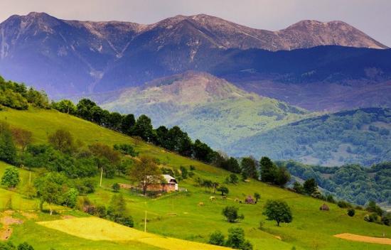 Két eltévedt csoportot mentettek ki a hegyimentők a Cibles hegységből