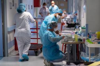 Romániában második hete gyorsuló ütemben terjed a járvány