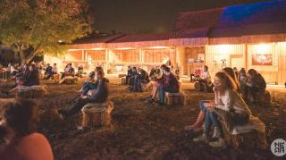 Piknikhangulatban telt a Mérai Világzenei Csűrfesztivál