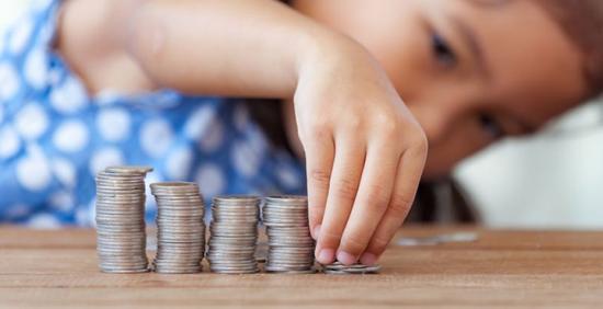 Alkotmánybíróság: meg kell duplázni a gyermekpénzt!