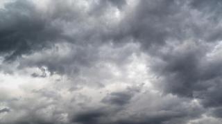 Másodfokú viharriasztás harminc megyében
