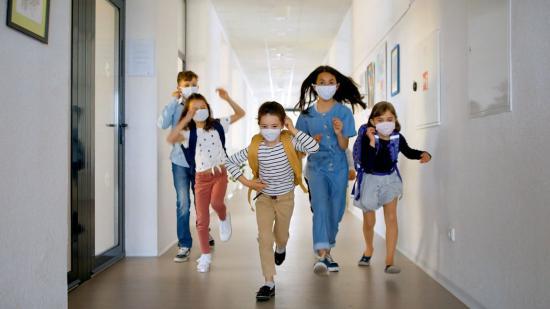 Diákok, tanárok, szülők járványban