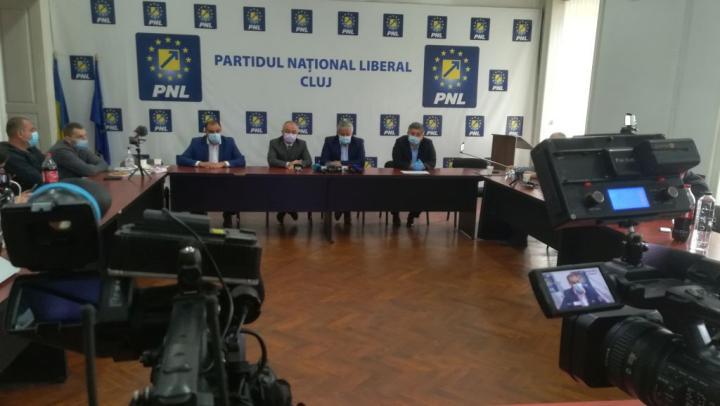 Együttműködés az RMDSZ-szel: Boc egyértelmű, Tişe kivár