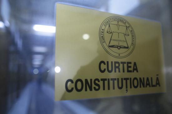 Nem sérti az alkotmányt, hogy a parlament írja ki a parlamenti választásokat