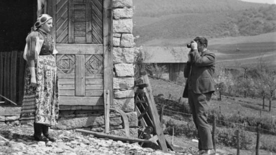 Különleges néprajzi fotók láthatók Kallós Zoltán gyűjteményéből