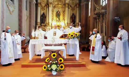Szent Ferenc búcsú a rendalapító ereklyéjének jelenlétében