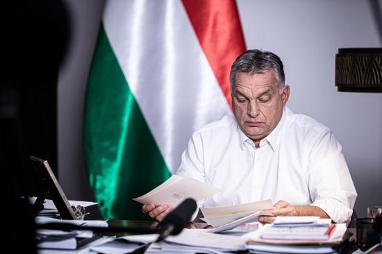 Rendkívüli jogrendet és éjszakai kijárási korlátozást vezet be a magyar kormány