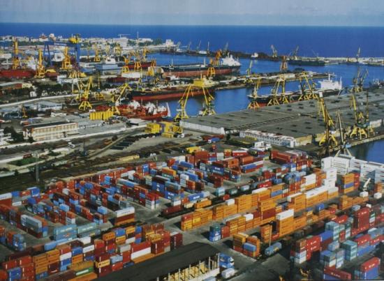 Az export 13,6 százalékkal csökkent az első három negyedévben