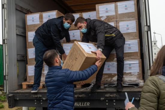 Közel 1,2 millió védőmaszk érkezett Erdélybe