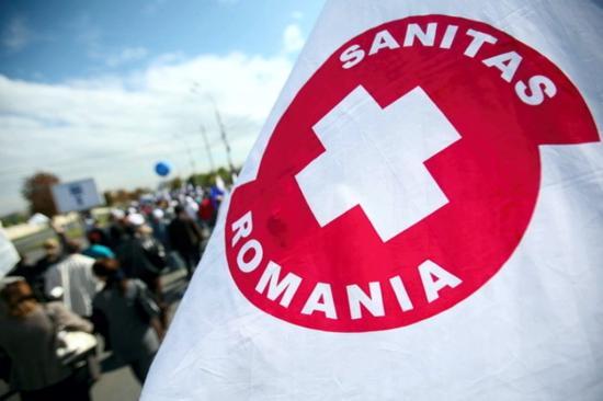 Az egészségügyi rendszer áldozatairól emlékeztek meg a kormány épülete előtt