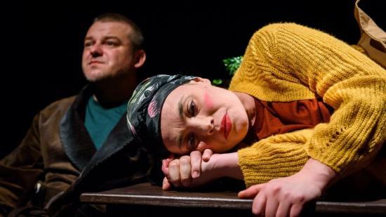 Továbbra is otthonról nézhetjük a román színház előadásait
